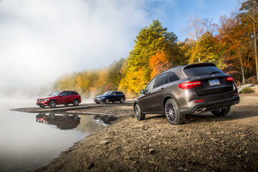 Mercedes-Benz Makes its Mark On and Off the Beaten Path at the AJAC 2017 Canadian Car of the Year Awards