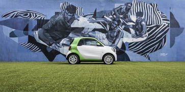 world-premiere-of-the-fourth-generation-smart-electric-drive